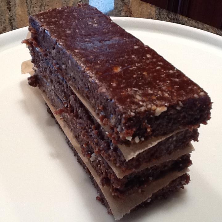 Raw hazelnut brownies