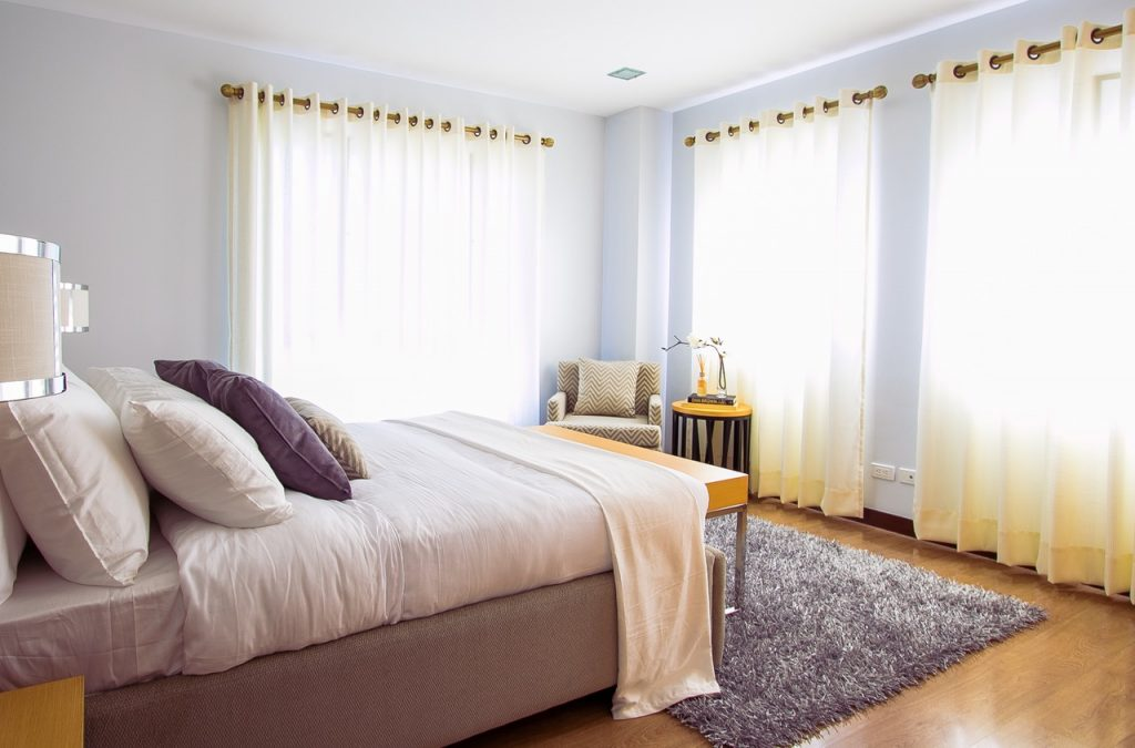 peaceful bedroom pexels-photo-90317